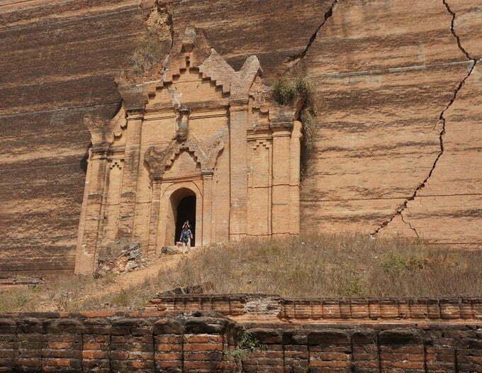 Entrance Mingun Pahtodawgyi Pagoda